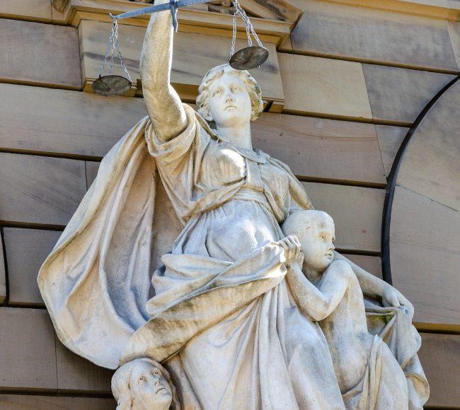 justitia-5341989_1920